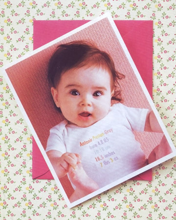 http://images.marthastewart.com/images/content/pub/baby/2003Q2/kids_baby_announcements_xl.jpg