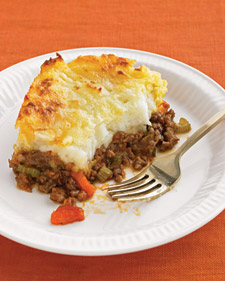 http://images.marthastewart.com/images/content/pub/everyday_food/2008Q4/ed104078_1008_shepard_pie_l.jpg