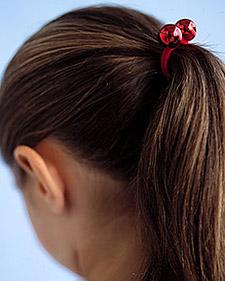 http://images.marthastewart.com/images/content/pub/kids/2006Q1/0206_kids_gtbellponytail_l