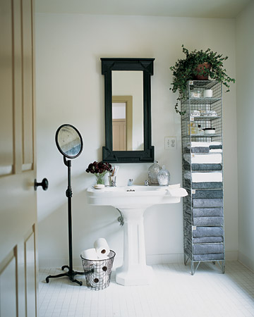 Black-and-White Rooms. Bathroom at Martha's. In a bathroom with