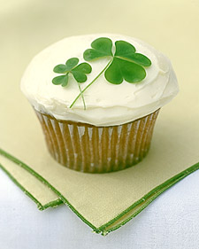 shamrock cupcake l Getting Ready For St Patricks Day