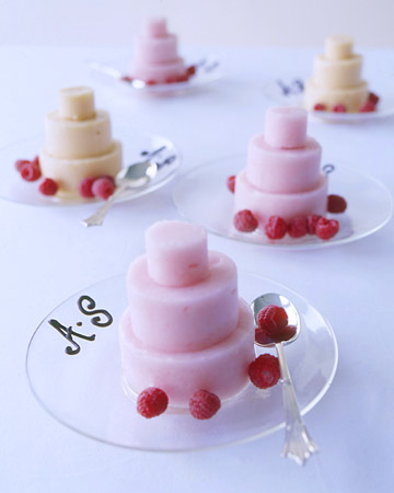 http://images.marthastewart.com/images/content/pub/weddings/1998Q1/icecreacakes_sum98_xl.jpg