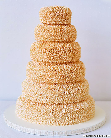 http://images.marthastewart.com/images/content/pub/weddings/2002Q4/a99064_win02_petalcake_xl.jpg