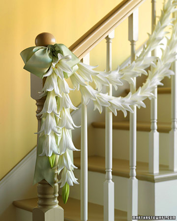 Martha Stewart's stunning lily garland for wedding decor.