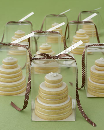 http://images.marthastewart.com/images/content/pub/weddings/2006Q4/wedding_gt_cookie122_xl.jpg