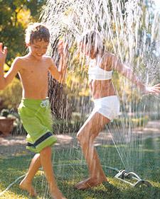 http://images.marthastewart.com/images/content/pub/kids/2007Q1/sprinkler_main_l.jpg